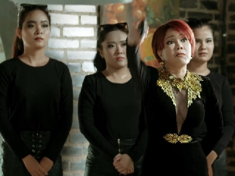 Việt Hương gây choáng với dàn sao đình đám trong siêu phẩm hành động đầu tay