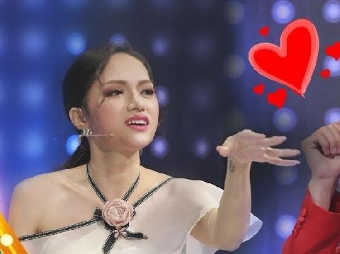 Hương Giang vẫn là hoa hậu ''lầy lội'' nhất vũ trụ!