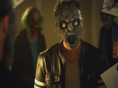 Phim ngắn kinh dị: Thợ làm mặt nạ