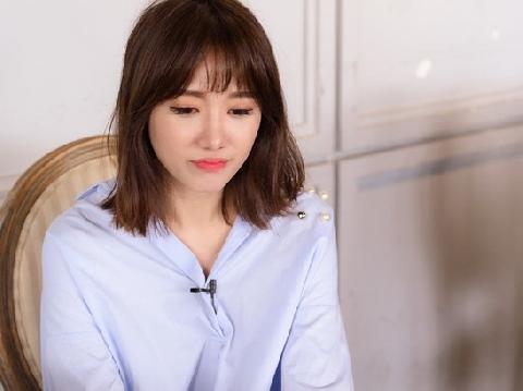 Đến đạo diễn cũng ''phát điên'' vì sự lầy lội của Hari Won