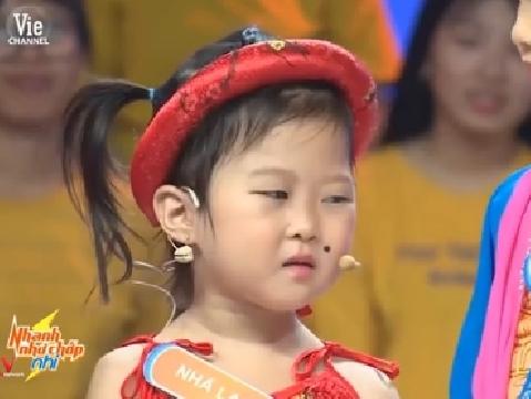 Cô bé ''mặt bất biến'' hù Puka, Trấn Thành lộ trí thông minh tuyệt đỉnh!