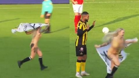 Người đẹp ngực khủng cởi sạch lao vào sân 'quấy rối' cầu thủ!