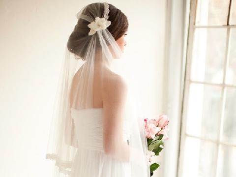 Đám cưới em chẳng thiếu gì, chỉ thiếu anh!