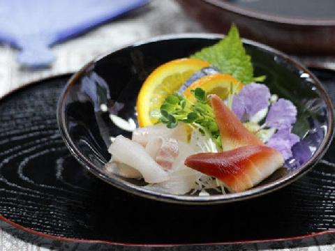 Đã mắt với màn làm kẹo sushi siêu quyến rũ