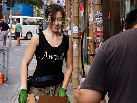 Đẹp ngời ngời như hot girl bốc vác Hồng Kông