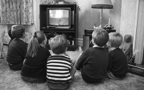 Hơn 7.000 người Anh vẫn xem Tivi đen trắng