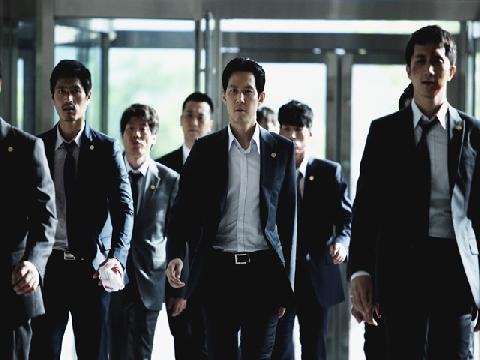 Park Hoon-Jung nhào nặn 'New World' thành tuyệt phẩm 'Bố Già' version Hàn Quốc
