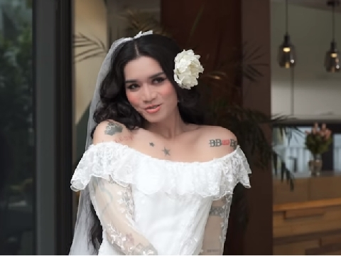 BB Trần hóa cô dâu quyến rũ trai đẹp vẫn bị Hải Triều cướp trên dàn mướp
