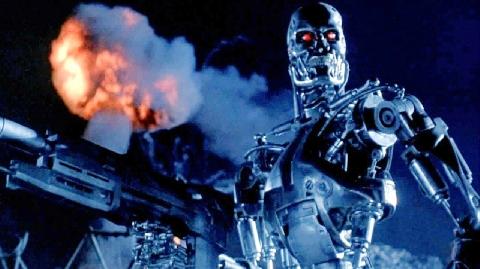 Robot quân sự có khả năng bắn súng bằng cả 2 tay