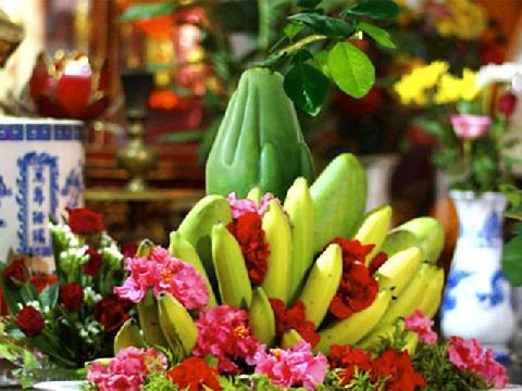 Những loài hoa không nên cắm trên ban thờ ngày Tết