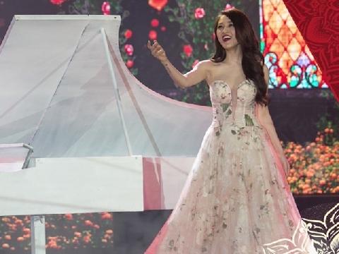 Bảo Anh lộng lẫy dịu dàng hát ''Khúc giao mùa'' bên Trung Quân Idol
