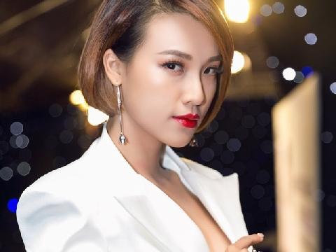 Hé lộ cuộc sống độc thân của á hậu Hoàng Oanh trong căn hộ đáng mơ ước