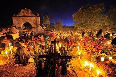 Tục trò chuyện với linh hồn ngày đầu năm mới ở Mexico