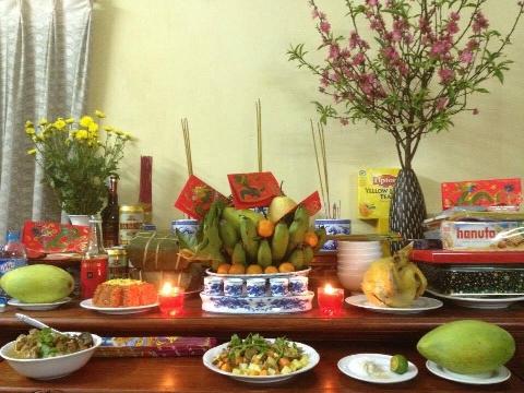 Phong tục thờ cúng tổ tiên trong ngày Tết của người Việt