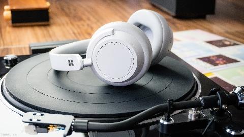 Trên tay Microsoft Surface Headphone