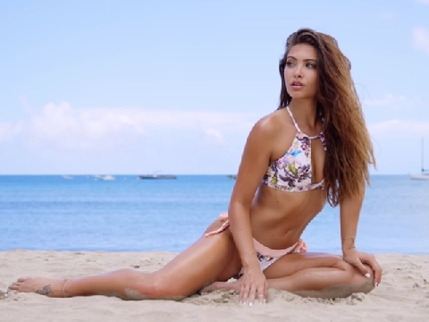 Ngắm những thân hình nuột nà nhất mùa bikini 2019