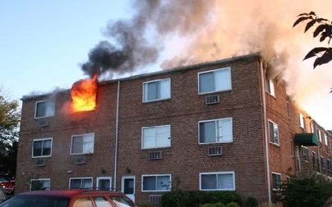 Phóng hỏa đốt nhà vì bị mẹ cằn nhằn