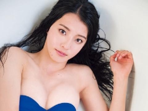 Kanon Miyahara - Thiện nữ quyến rũ khoe làn da trắng ngần trên bãi tắm
