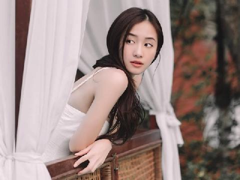 Bật ngửa với giọng hát của mỹ nữ vạn người mê Jun Vũ