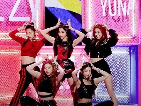 Các thánh nữ ITZY bê hit triệu view DALLA DALLA lên sân khấu Music core