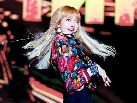Lisa (BlackPink) - 'công chúa Thái Lan' rực sáng giữa trời Kpop