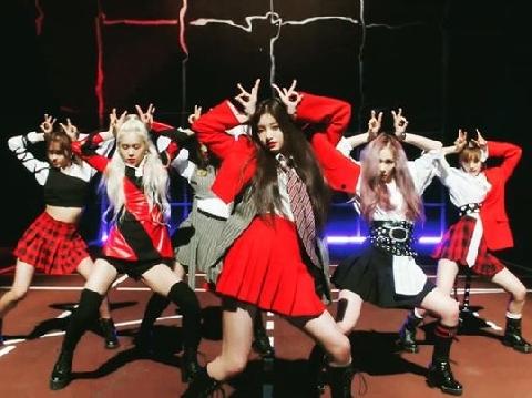 Tân binh EVERGLOW tung MV debut cực hot, lập tức bị so với BLACKPINK