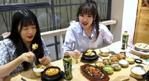 Hari Won khiến fans chảy nước miếng với màn ăn canh đậu hũ siêu ''gợi''