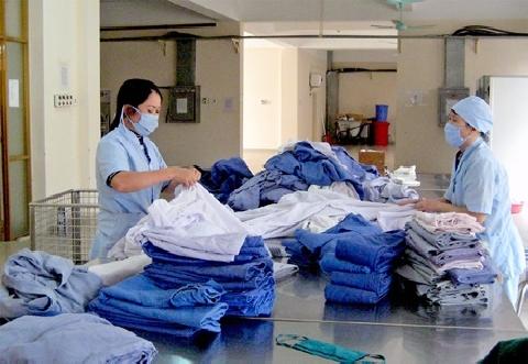 Hãi hùng đồ vải bẩn tại bệnh viện