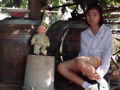 Hết hồn với bản cover hit SOLO của JENNIE lầy lội của thiếu nhi Thái Lan
