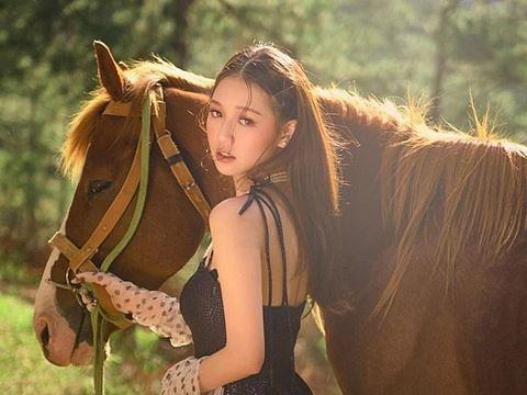 ''Em gái Monstar'' Amee nhảy vũ đạo ''Anh nhà ở đâu thế'' siêu ngọt ngào