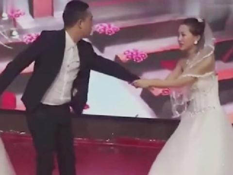 Cô gái trẻ lao vào đám cưới người yêu cũ, đòi bắt tay chú rể