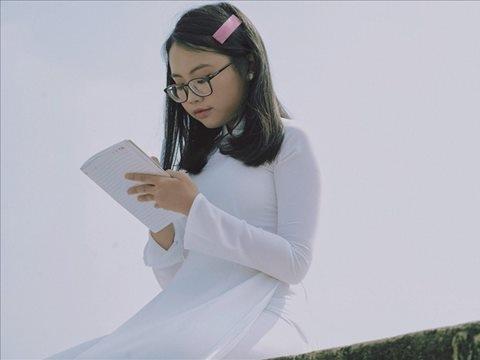 Bất ngờ với thiếu nữ Phương Mỹ Chi đầy ngọt ngào trong MV mới nhất