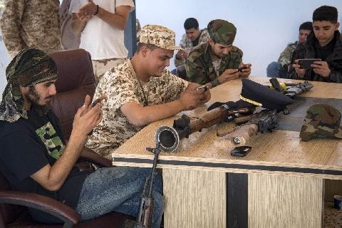 Lính Libya dùng trò chơi điện tử để huấn luyện chiến đấu