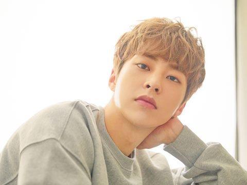 Xiumin (EXO) khoe giọng xuất sắc trong MV hậu nhập ngũ