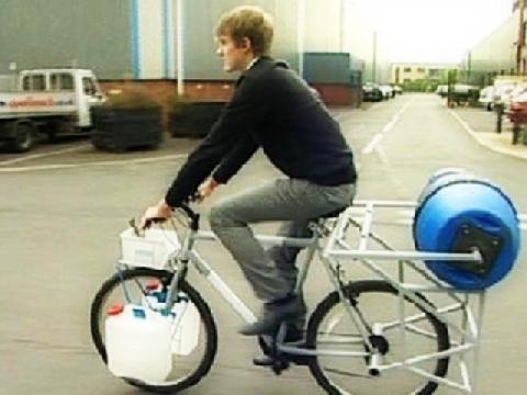 Vừa đạp xe vừa giặt đồ và 11 phát minh ''yêu'' trái đất nhất