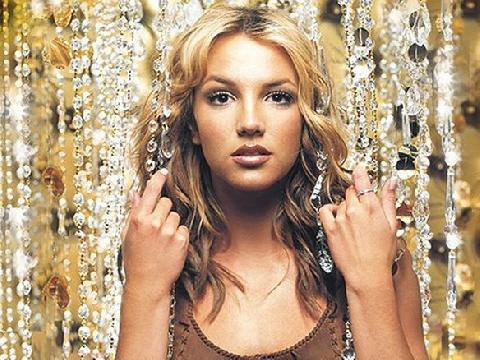 Top 10 ca khúc huyền thoại qua hai thập kỷ của ''công chúa'' Britney Spears