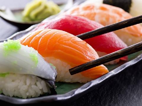 Đừng ăn sushi cá sống nữa