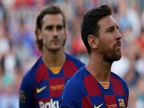Messi từ chối bắt tay Griezmann, nội bộ Barca lục đục?