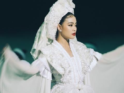 Hoàng Thuỳ Linh tung MV Tứ Phủ đậm tín ngưỡng thờ Mẫu, leo thẳng top 1