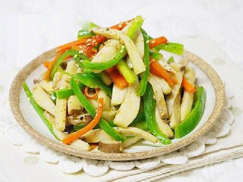 Dinh dưỡng mùa ăn chay với món nấm đùi gà xào rau củ
