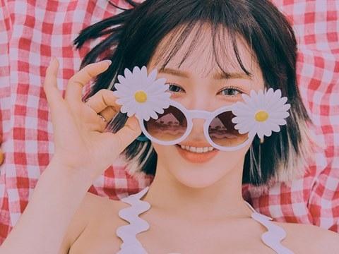 ''Úm bà úm bà'': Red Velvet trở lại siêu gợi cảm với câu thần chú siêu cute