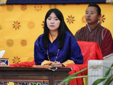 Thế giới điên đảo trước chân dung ''thần tiên tỷ tỷ'' của Hoàng gia Bhutan