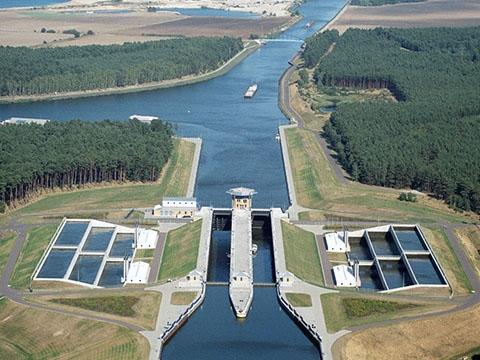 Ngỡ ngàng với 3 cây cầu nước lớn nhất thế giới