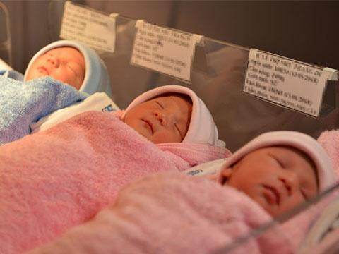 Hy hữu: sản phụ sinh 3 tự nhiên ở Việt Nam