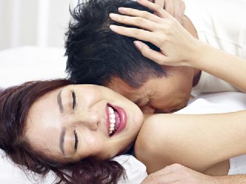 Trên giường bạn là người như thế nào được tố cáo hết qua hình dáng đôi tay