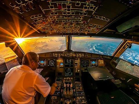 Những cảnh tượng khó tin nhìn từ buồng lái máy bay
