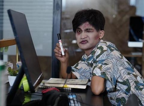 Mạc Văn Khoa hoá Zombie khiến Chủ Tịch Sơn Tùng MTP xanh cả mặt