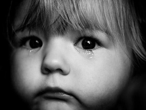 Bảo mẫu đánh đập bé 25 ngày tuổi 1,5 tiếng vì đứa trẻ khóc không ngừng