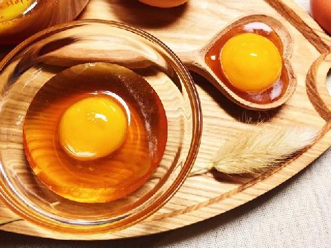 Tự làm trứng gà ngâm mật ong siêu bổ dưỡng