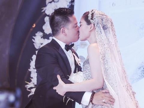 Giang Hồng Ngọc và ông xã khoá môi cực ngọt trong ngày cưới